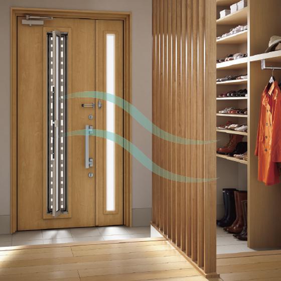 採風窓/網戸付きの玄関ドア