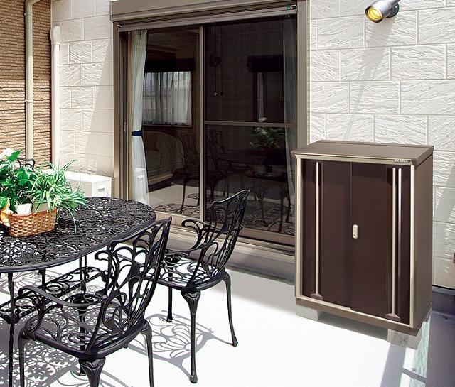 季節にしか使わないものは家の中から外の物置へと整理